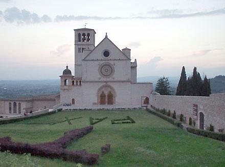 Đến Assisi để cảm nhận kinh hòa bình