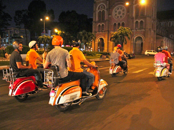 Vespa Tour Saigon after Dark