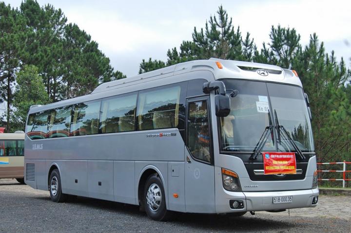 Dịch vụ cho thuê xe du lịch TPHCM giá rẻ tốt nhất thị trường