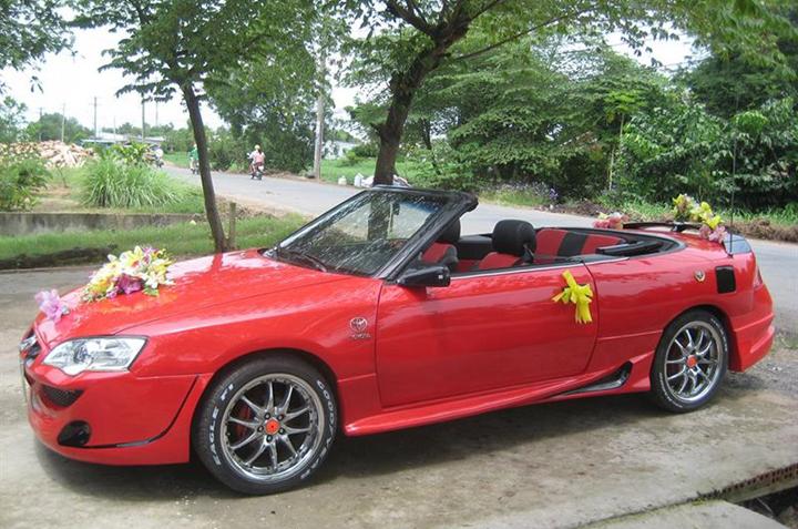 Thuê xe cưới mui trần hiệu Toyota Cilica