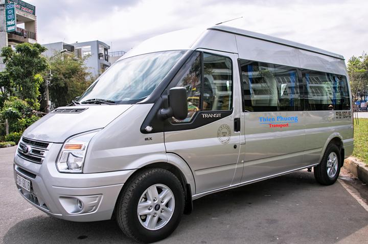 Thuê xe ô tô Ford Transit 16 chỗ đời 2011