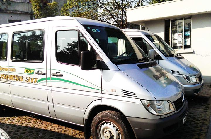 Thuê xe du lịch 16 chỗ giá rẻ tại TPHCM