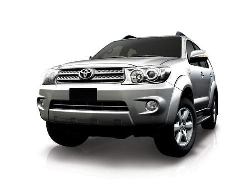 Cho thue xe Toyota Fortuner 7 cho tai Sai Gon