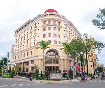 Tong quan khach san Ninh Kieu 2