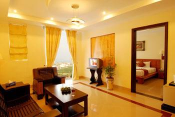 Phong Suite cua khach san Golden Sea
