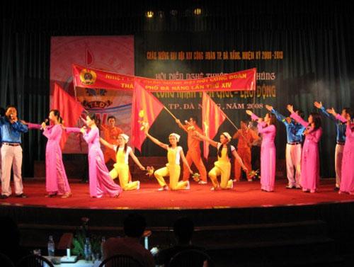 Hoat dong van nghe - Khach san Cong Doan Thanh Binh