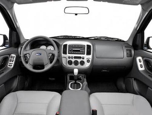 Xe Ford Escape cho thue xe gia re tai Sai Gon