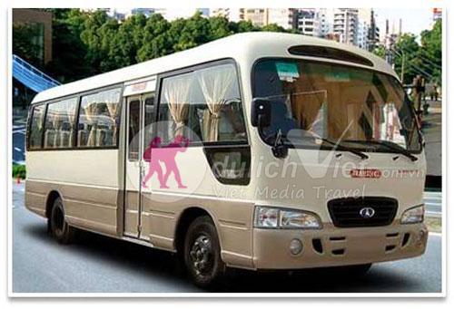 Xe du lich Hyundai County 24 cho cho thue