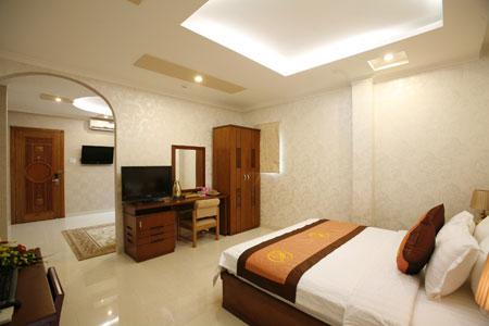 Phong Suite khach san Kelly Sai Gon