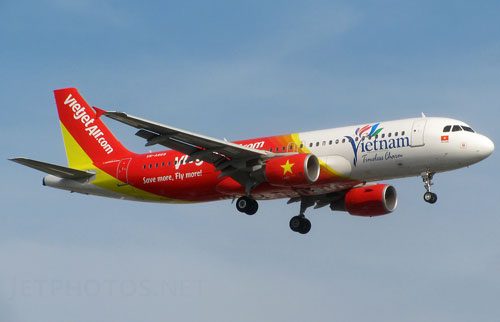 Chuyen bay VJ8660 cua VietJet Air khoi hanh tu TP. HCM di Ha Noi vao 6h10' moi ngay