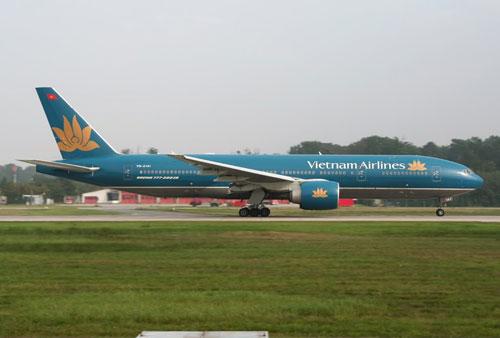 Chuyen bay VN8061 cua Vietnam Airlines khoi hanh tu TP. HCM di Ca Mau moi ngay