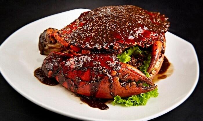 Cua nhện sốt tiêu đen là món ăn khá đắc đỏ tại Dubai