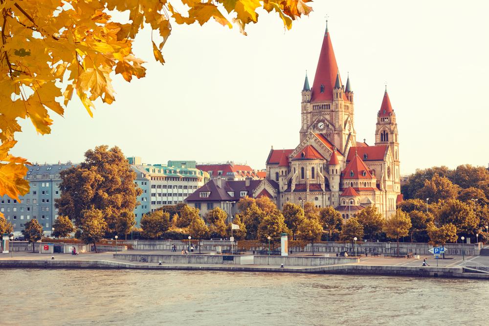 Du lịch Đông Âu mùa Thu