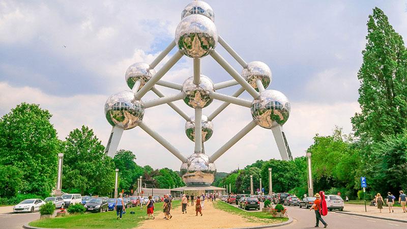 Atomium tòa ốc cao tốc độc đáo đượcthiết kế theo mô hình nguyên tử