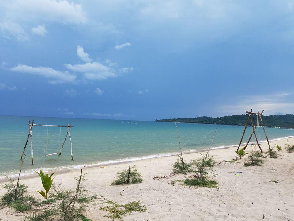 Du lịch Phú Quốc - Ngắm nhìn vẻ đẹp yên bình nơi những bãi biển hoang sơ
