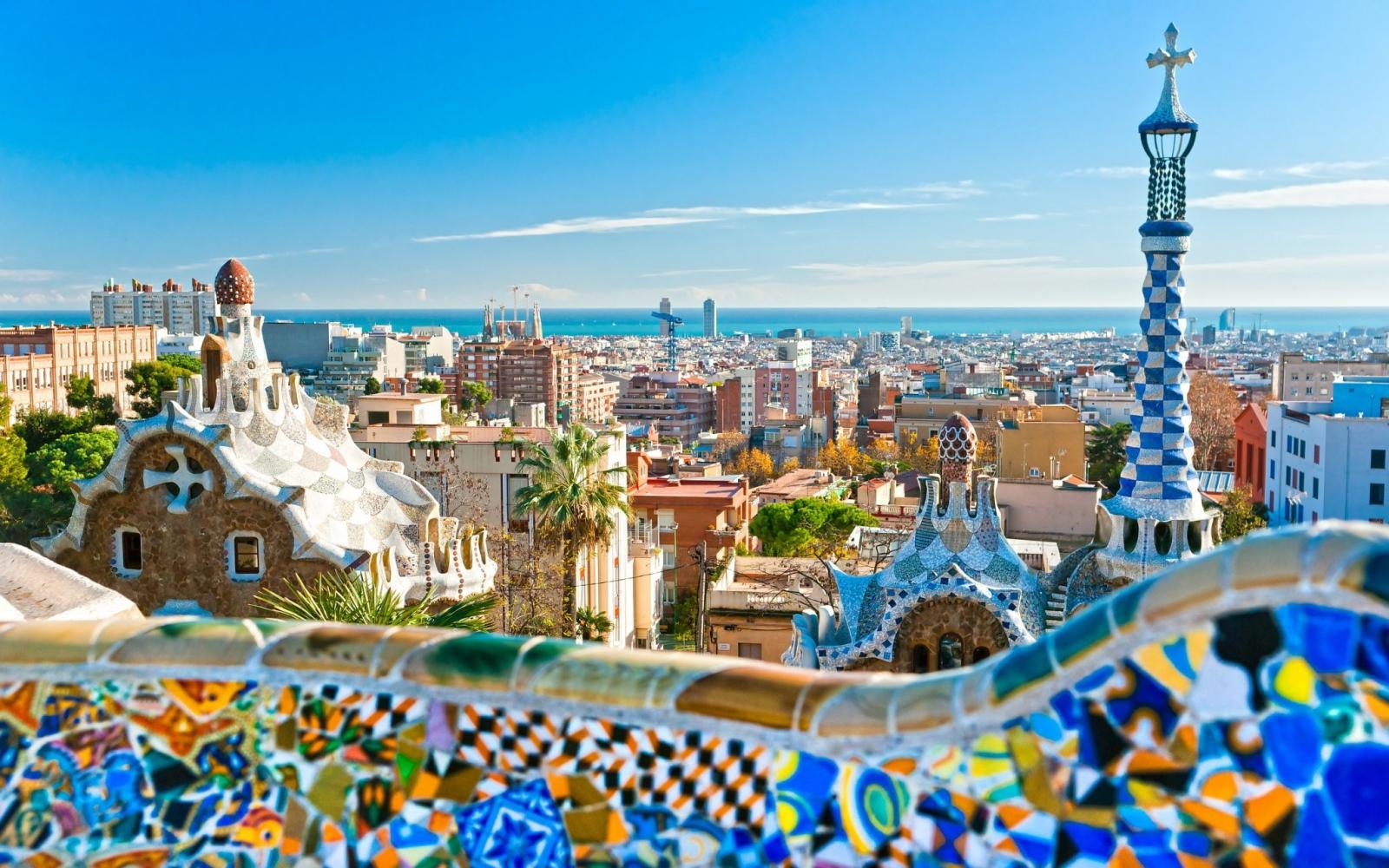 Du lịch Châu Âu - Barcelona thành phố sôi động