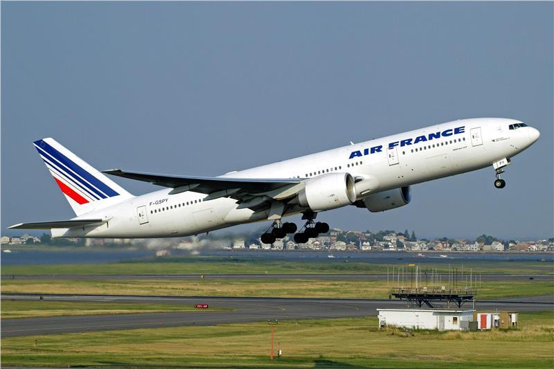 Chuẩn bị vé máy bay cho hành trình du lịch Ý