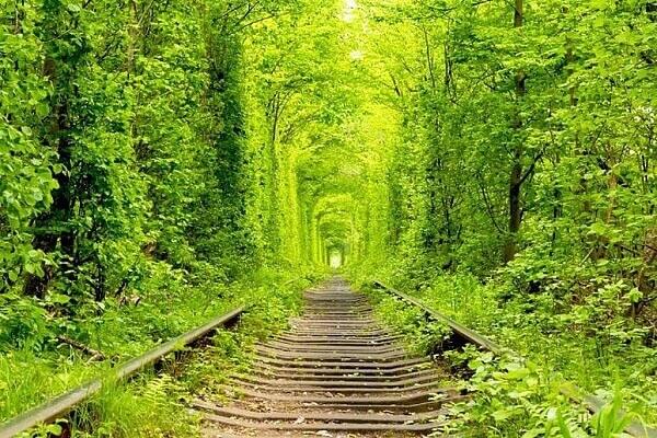 Du lịch Đông Âu hành trình khám phá đường hầm tình yêu