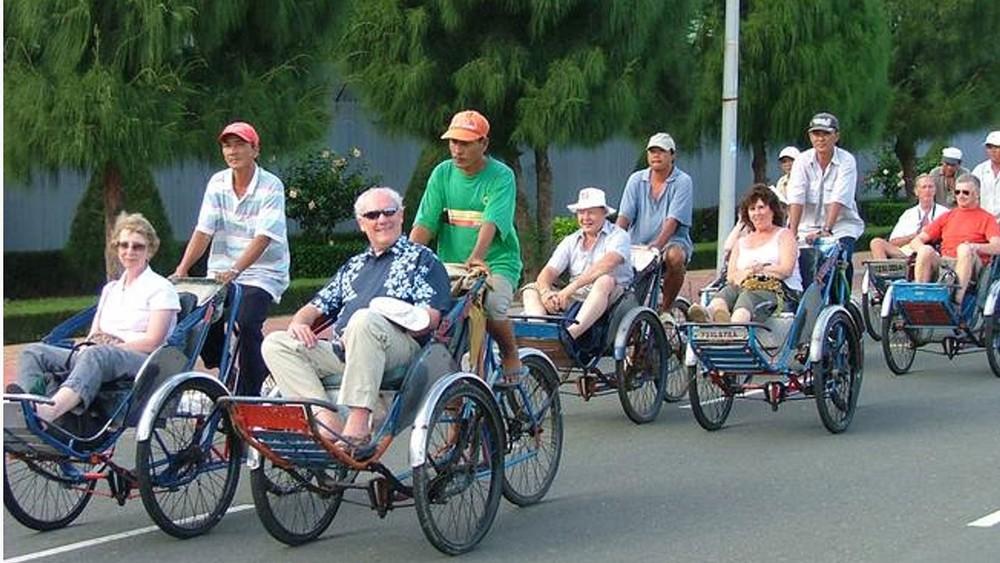 Tham quan thành phố Nha Trang bằng xích lô