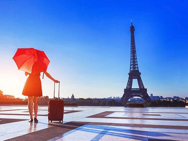 Du lịch Châu Âu: Nên chọn đi tour hay tự túc?