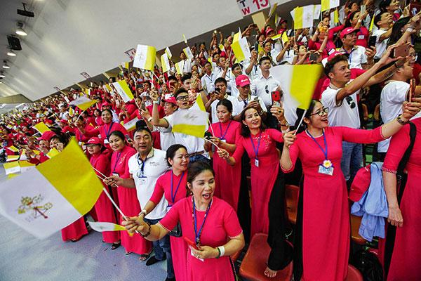 Gặp gỡ Đức Thánh Cha Phanxico tại Thái Lan – Trọn vẹn niềm hân hoan