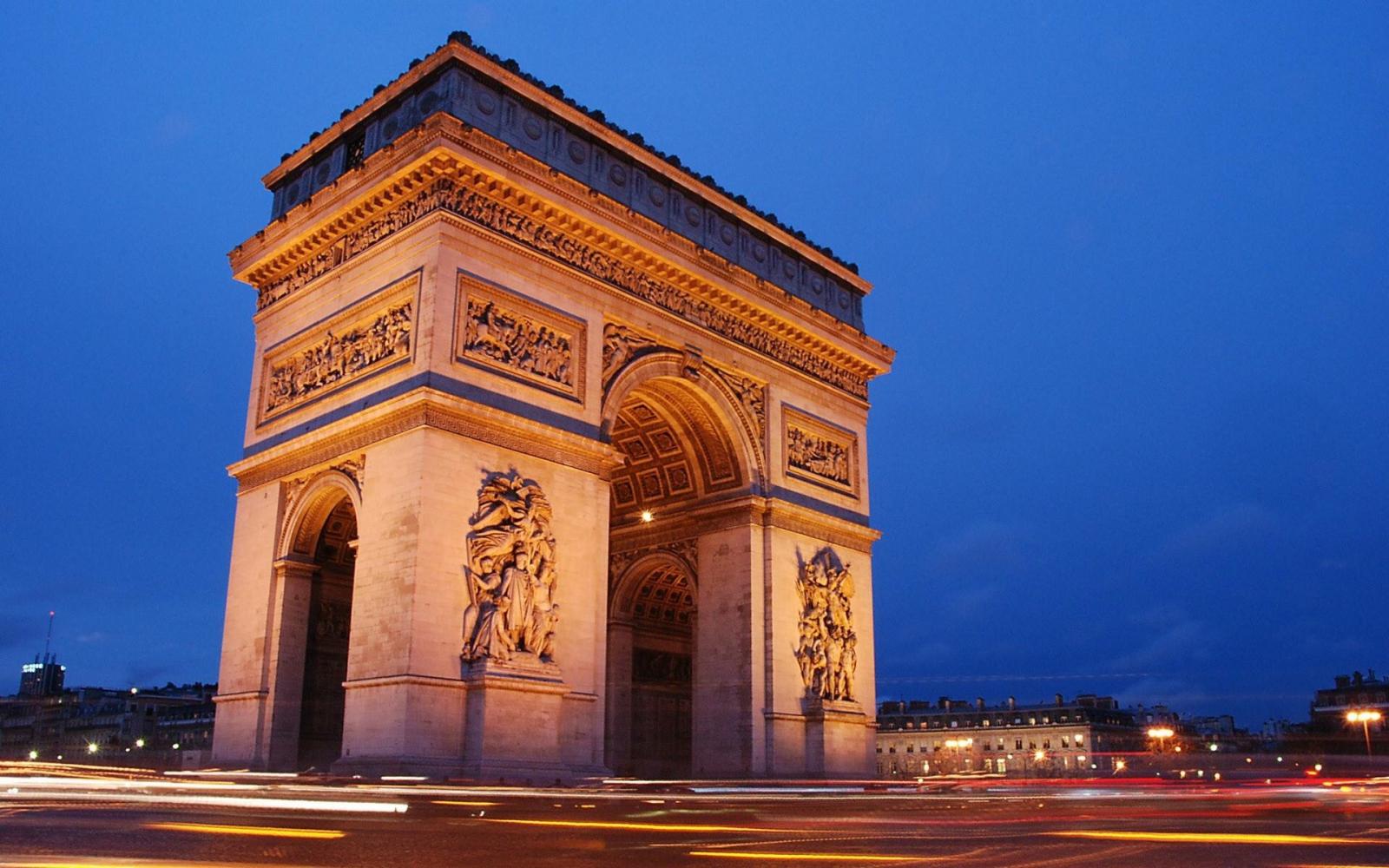 Du lịch Pháp - Khải Hoàn Môn công trình kiến trúc độc đáo