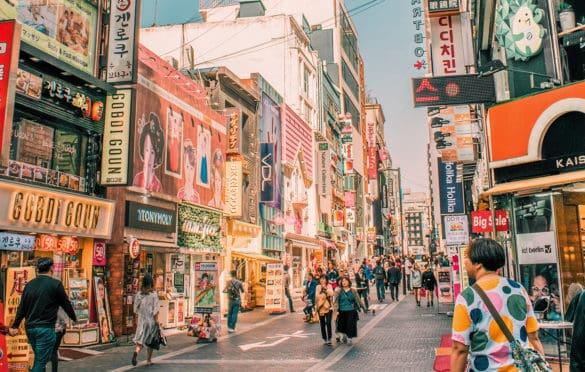 Tham quan, khám phá Hàn Quốc tự túc luôn là sở thích của nhiều du khách