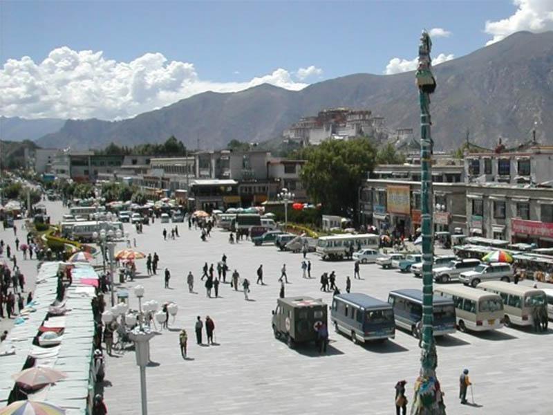 Lhasa - Cung điện chắc chắn phải ghé khi du lịch Tây Tạng