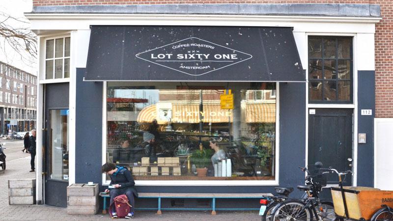 Lot Sixty One Coffee Roasters gần gũi
