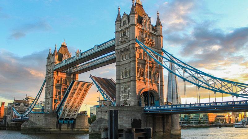 Mãn nhãn với vẻ đẹp cổ kính của London