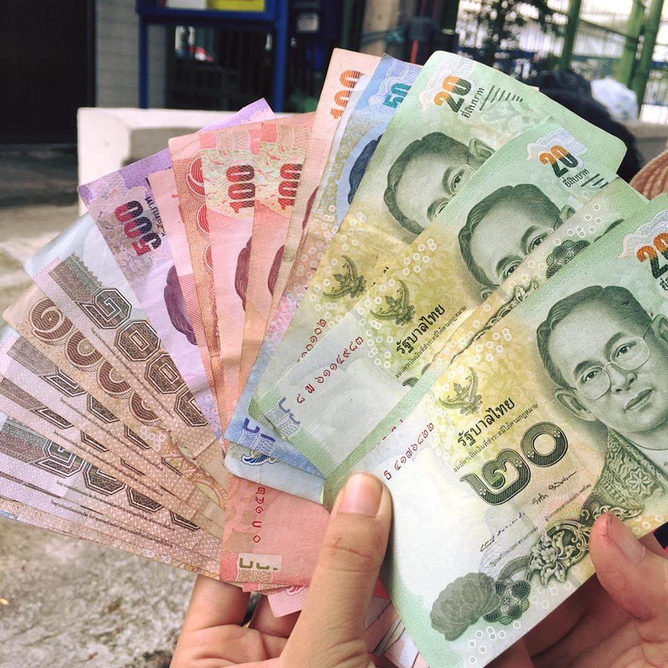 Cần đổi tiền Bath tại Việt Nam và chuẩn bị sẵn USD bên mình