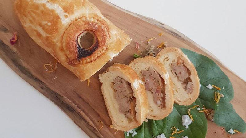 Rieslingspaschteit cũng là một món ăn truyền thống của người dân Luxembourg