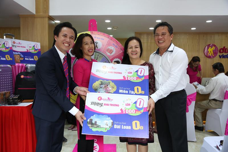 Du Lịch Việt dành tặng 1100 dịch vụ tour 11,000đ nhân kỷ niệm 11 năm thành lập