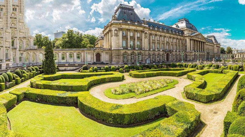 Cung điện Burgundy nơi trưng bày những tác phẩm nghệ thuật đặc sắc vô cùng giá trị.