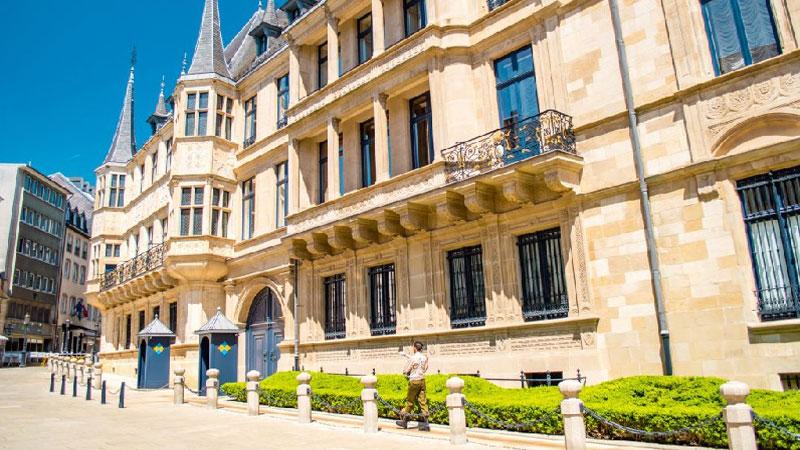 Lâu đài Grand Ducal được xây dựng từ thế kỷ 16