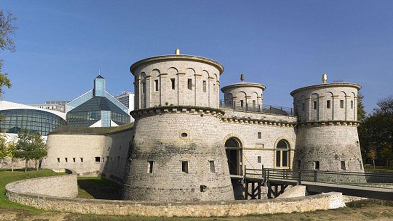 Pháo đài lịch sử nổi tiếng Fort Thungen
