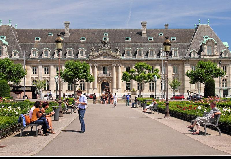 Đi tour du lịch Luxembourg, dạo một vòng xem ẩm thực có gì?
