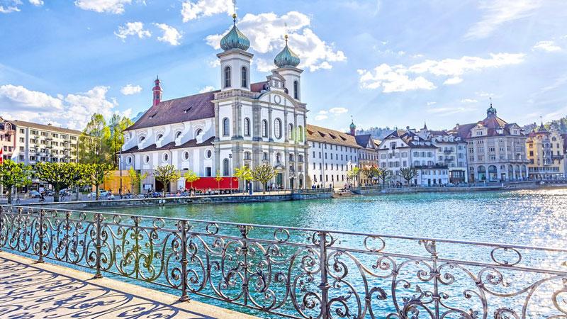 Du Lịch Thụy Sĩ mùa hè