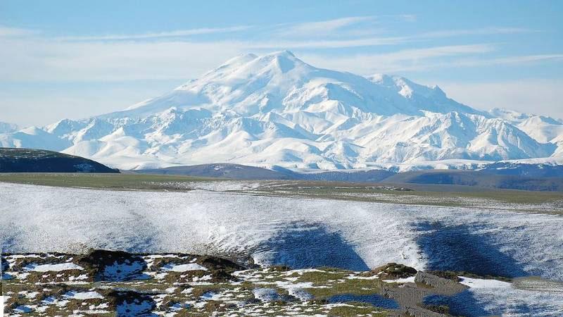 Núi Elbrus