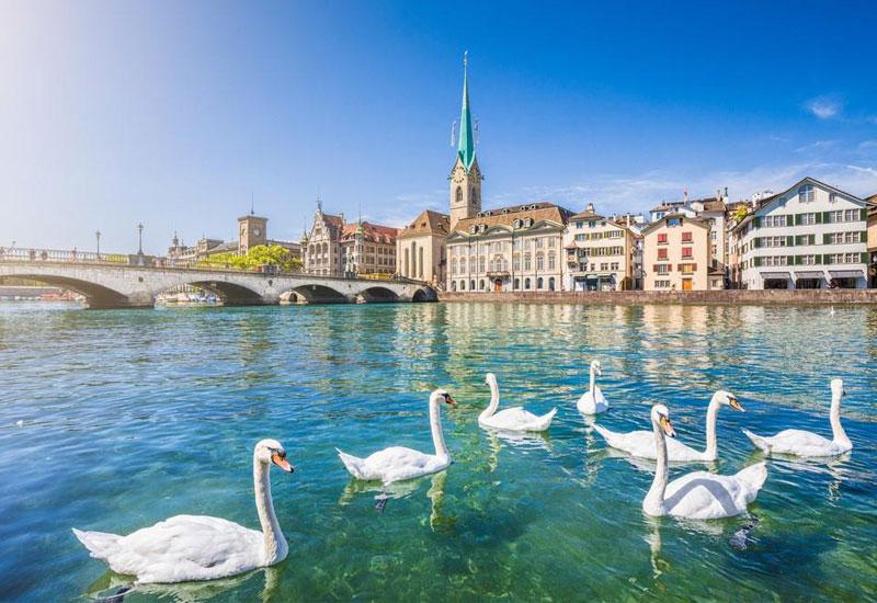 Du lịch Thụy Sĩ: Đi tour Thụy Sĩ mua gì về làm quà ?