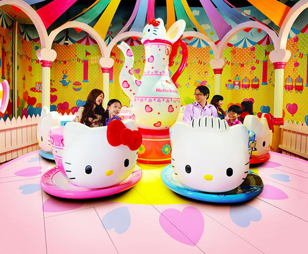 Free and Easy - Sanrio Hello Kitty Town Hoặc Thomas Town – Tour 1 Ngày