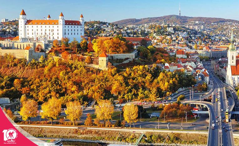 Du lịch Châu Âu - Séc - Áo - Slovakia - Hungary - Làng Hallstatt - Đức mùa Thu từ Sài Gòn giá tốt
