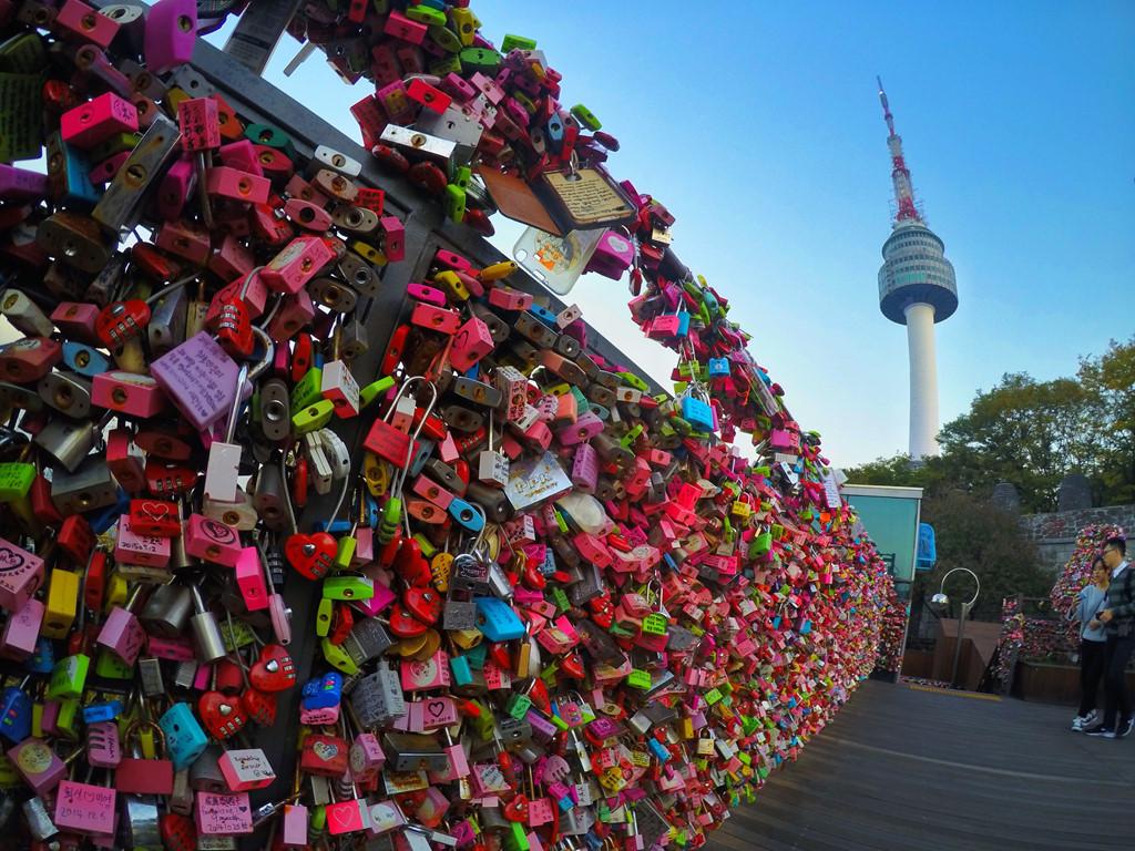 Du lịch Hàn Quốc - Tháp Namsan lãng mạn
