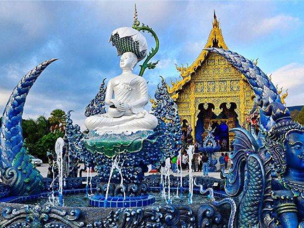 Xuýt xoa trước vẻ đẹp lạ của ngôi chùa màu xanh khi đi du lịch Thái Lan