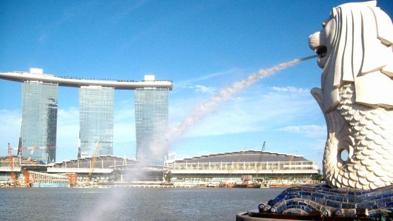 Sau khi tham quan du lịch Singapore thì mùa gì về làm quà?