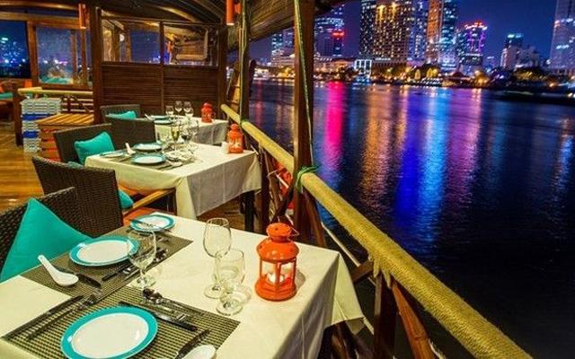 Ăn tối trên sông Sài Gòn cùng du thuyền tiêu chuẩn 5 sao