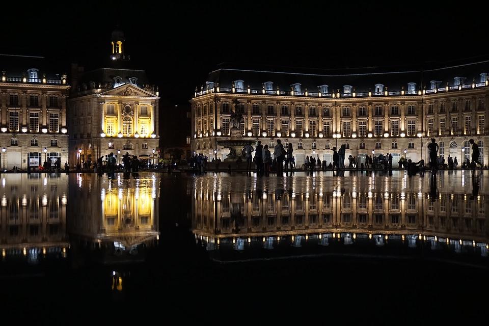 bordeaux pháp du lịch kiến trúc chiếu sáng - Du lịch Pháp
