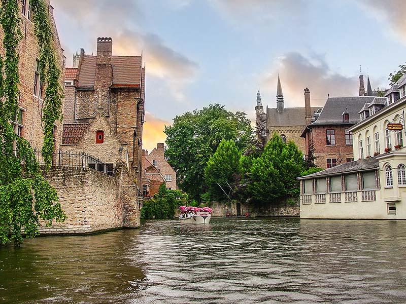 Kinh nghiệm đi tour du lịch Bỉ với những điểm đến hấp dẫn