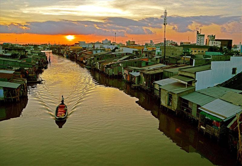 Vẻ đẹp khung cảnh hoàng hôn trên sông Cà Mau