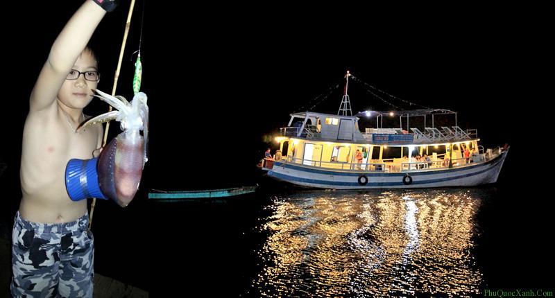 Tham gia hành trình câu mực đêm ở Phú Quốc dịp tết dương lịch 2020